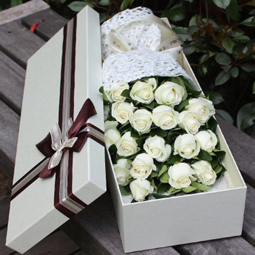 Send 18 white roses in the box to china18 white roses in the box send 18 white roses in the box to china18 white roses in the box delivery china18 white roses in the box in china china flowers delivery mightylinksfo Image collections